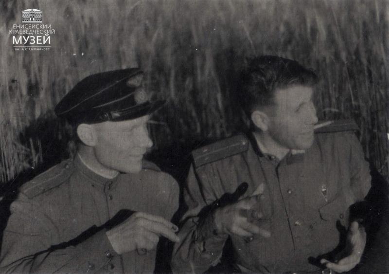В.Н.Попов-слева-и-Бабоялов.-Брянский-фронт-1943-г.